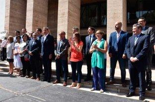 El municipio firmó cinco compromisos al servicio de la gente -  -
