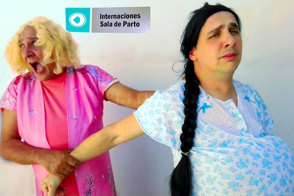 """""""Las Esperadoras"""" en ATE Casa España - Sergio Cangiano y Fernando Belletti caracterizados para la obra."""