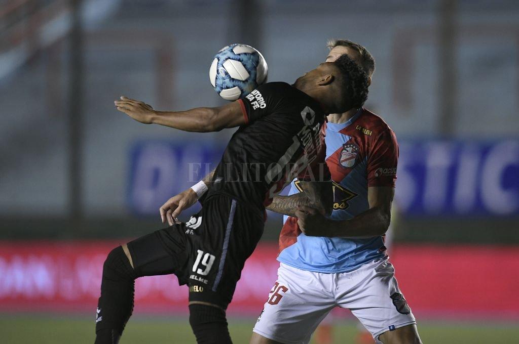 Lo peor es que no extraña que haya perdido; lo mejor es que se terminó el año  - Morelo convirtió el gol que le dio la igualdad transitoria a Colón, que no la pudo aguantar y por eso perdió nuevamente de visitante. -