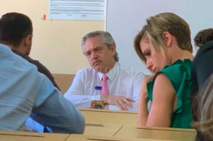 Alberto Fernández profesor: tomó examen y adelantó que seguirá dando clases