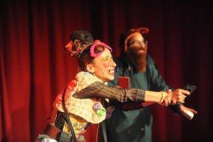 """""""Mis personajes son creados para sanar"""" - Rosa Salomón con su personaje de Lucrecia Vichenza durante la última edición del Festiclown, que se desarrolló en setiembre.  -"""