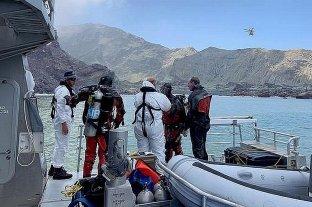 Nueva Zelanda incorpora buzos a la búsqueda de los desaparecidos tras la erupción del volcán
