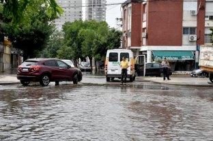 Renovaron alertas por tormentas fuertes - En Freyre y Catamarca el agua acumulada impedía la circulación.