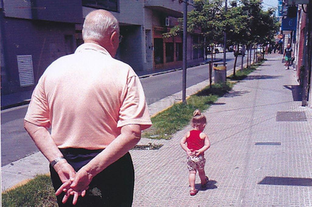 """""""Caminando hacia el futuro"""" de Víctor Silvestrini <strong>Foto:</strong> Cazador de imágenes - El Litoral"""