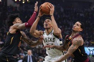 Milwaukee Bucks consiguió su triunfo número 18 en la NBA