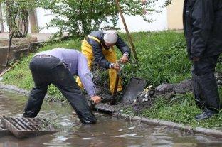 Personal municipal atiende las consecuencias del temporal