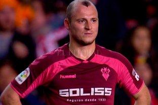 Suspenden un partido en España por insultos a un jugador