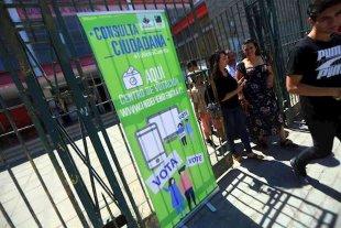 Más de 2,1 millones de personas participaron de una consulta ciudadana para reformar la Constitución de Chile