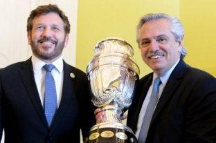 Copa America: Alberto Fernández recibió al titular de la Conmebol