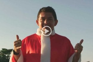 Pulga Rodríguez se vistió de Papá Noel para una publicidad