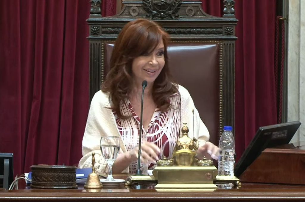 Los mejores momentos del debut de Cristina presidenta de la cámara alta
