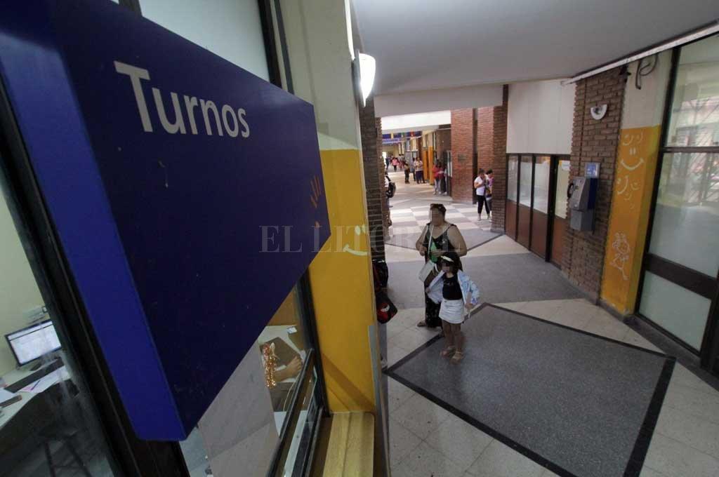 La menor fue asistida en el hospital Iturraspe y luego derivada al hospital de niños. <strong>Foto:</strong> Mauricio Garín
