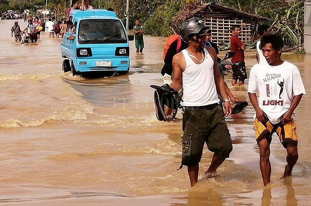 Tifón mata a 16 personas en Filipinas