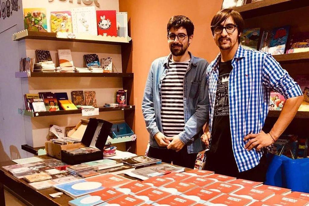 """Gabriel Bocchio y Javier Alcaraz, responsables de la investigación que derivó en """"Sembrar una isla"""". Crédito: Gentileza Jimena Monsón"""