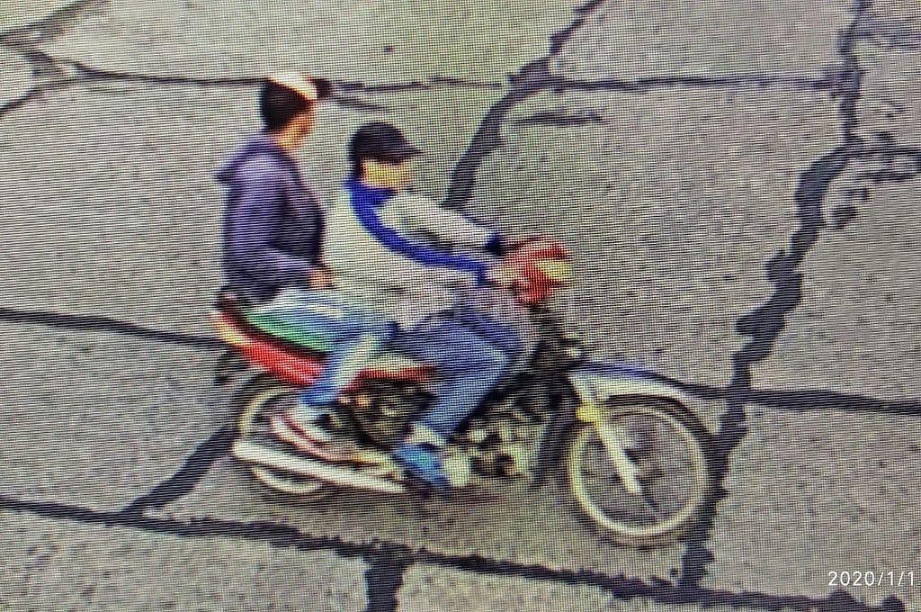 Estos son los dos delincuentes buscados por el asesinato del hombre de 77 años. <strong>Foto:</strong> Captura digital
