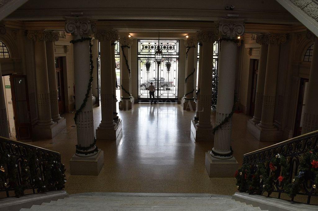 Hall de ingreso a la Casa de Gobierno. Crédito: Luis Cetraro