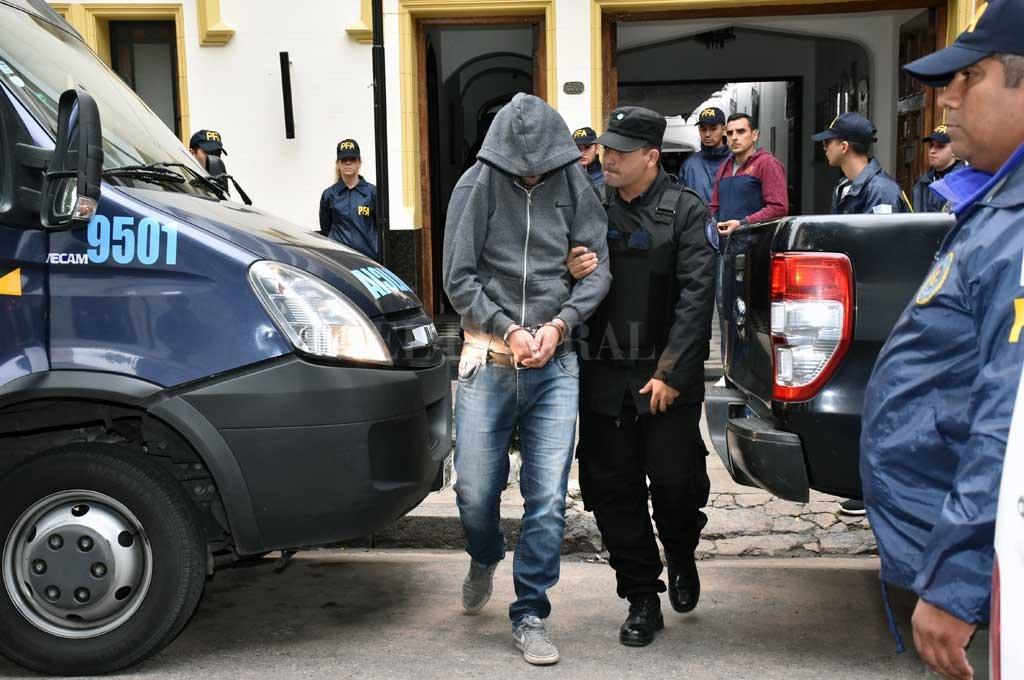 """El 9 de mayo del año pasado, la justicia secuestró 88 bochas con cocaína, escondidas en un baño de la delegación local, que los acusados utilizaban para """"embagallar"""". <strong>Foto:</strong> Archivo El Litoral"""