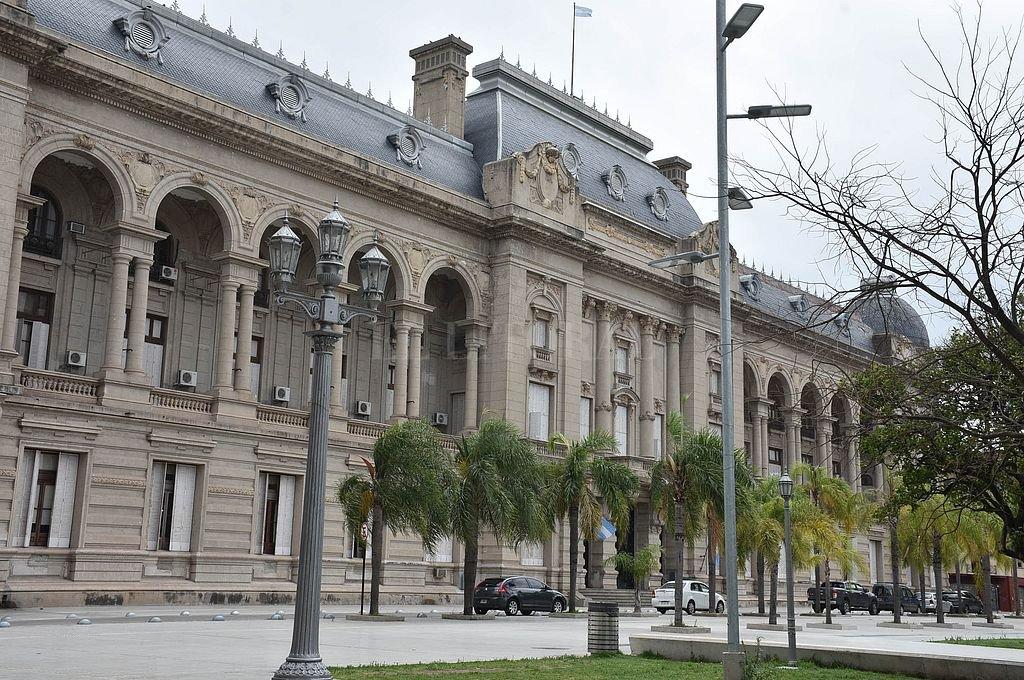 Los docentes aceptaron el ofrecimiento salarial del gobierno - Casa de Gobierno. -