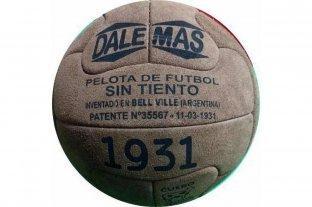 "La pelota de cuero nacional que encargó YPF es ""retro"""