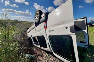 Vuelco sin víctimas en la autopista Santa Fe - Rosario