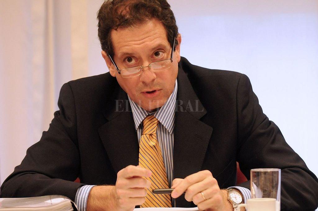 Miguel Pesce, presidente del BCRA. Su gestión baja las tasdas y recupera reservas, cepo e impuesos mediante. Perop la inflación seguirá alta este año.  Crédito: Archivo El Litoral