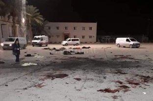 Un bombardeo a una escuela militar deja al menos 42 muertos en Libia