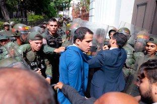 La oposición inició una sesión alternativa para reelegir a Guaidó en el parlamento venezolano