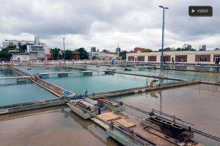 Aguas Santafesinas purga la red ante reclamos por turbiedad