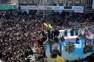 Una estampida en medio de los funerales de Soleimani dejó al menos 35 muertos