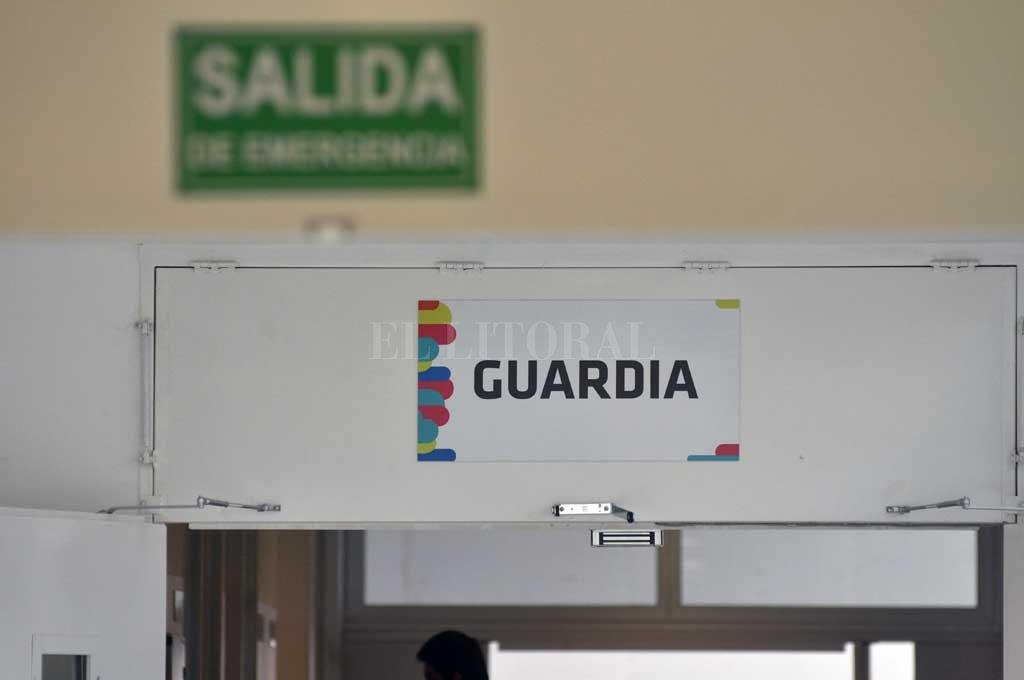 Tras ser baleado, el hombre fue llevado de urgencia al hospital Iturraspe, donde falleció al poco tiempo. <strong>Foto:</strong> Mauricio Garín