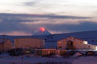 Alaska en alerta roja por la erupción de un volcán