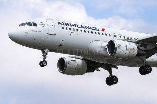 Polizonte de diez años hallado muerto en el tren de aterrizaje de un avión en Francia