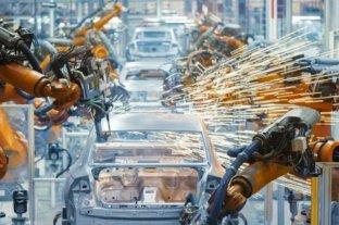 La actividad industrial bajó 4,5% en noviembre y acumuló la décimo novena baja consecutiva