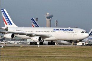 París: hallaron el cuerpo de un niño en el tren delantero de un avión