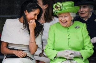 """La reina Isabel II pide encontrar una """"solución viable"""" para el futuro rol de Meghan y Harry"""