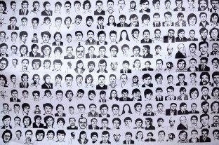 Comisión de derechos humanos de México investigará represión y desparecidos de guerra sucia