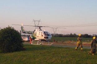 Helicóptero sanitario para asistir una mujer