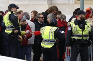 Arrestan a Joaquin Phoenix y Martin Sheen en una manifestación