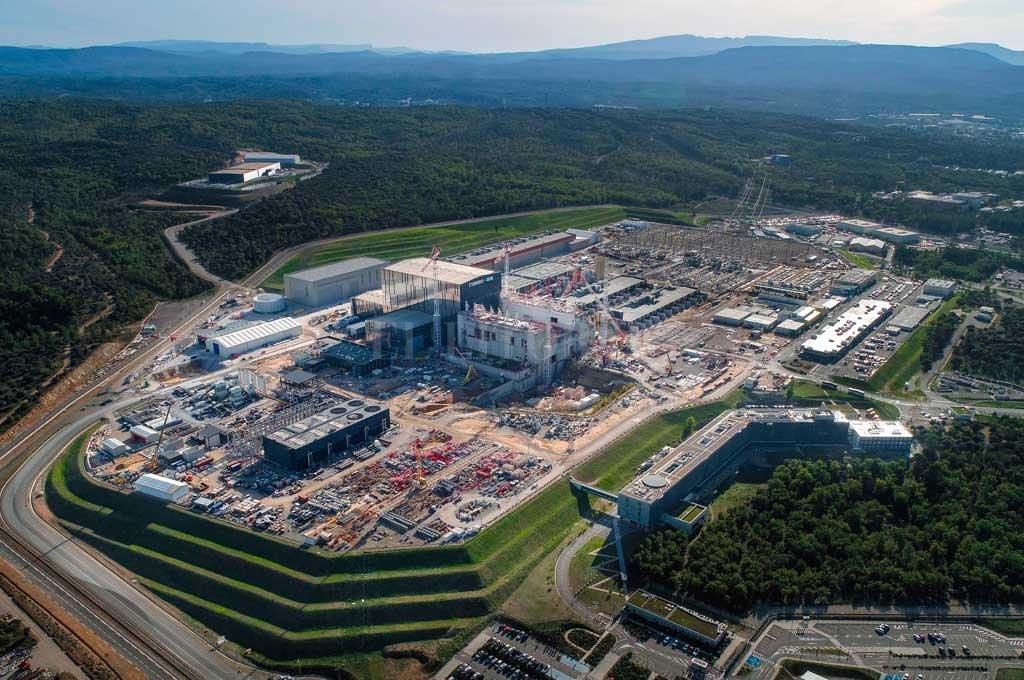 Vista aérea de las instalaciones del ITER en el sur de Francia. Participan de la construcción del reactor un total de 35 países, miembros de la UE más Estados Unidos, China, India, Rusia, Corea y Japón.  <strong>Foto:</strong> Gentileza ITER