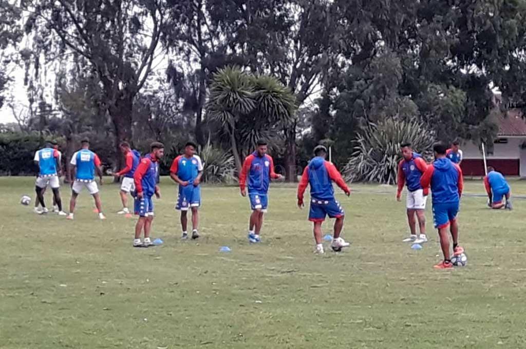 Pasó una nueva jornada de trabajo en el campamento tatengue. Este miércoles será el segundo amistoso, ante Quilmes. Crédito: El Litoral
