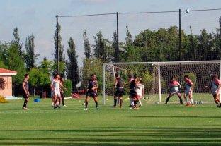 Colón venció a Sportivo Las Parejas en un amistoso