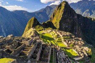Dos turistas argentinos fueron detenidos por dañar y defecar en el templo de Machu Picchu