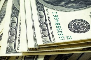 El dólar subió 12 centavos y cerró a $ 66,97