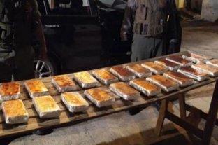 Secuestran 82 kilos de cocaína ocultos en la bodega de un avión en Ezeiza