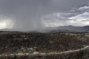 Llueve torrencialmente en Australia: esperan que contenga el fuego pero temen inundaciones