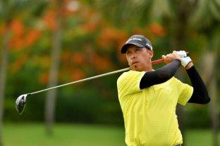 El argentino Carballo concretó par de la cancha en la ronda inaugural en Singapur