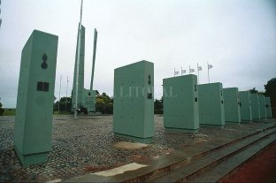 San Lorenzo: robaron seis valiosas placas de bronce del Campo de la Gloria