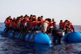 Rescataron a 39 migrantes frente a las costas de Libia