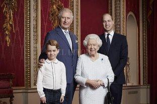 """La familia real británica """"oficializa"""" el Megxit en un comunicado"""