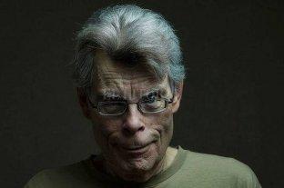 Stephen King donará 100.000 dólares si la Casa Blanca vuelve a recibir a la prensa